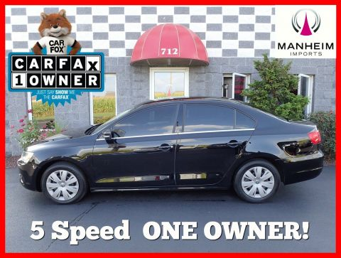 2013 Volkswagen Jetta Sedan SE 5 Speed FWD 4dr Car